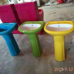 儿童彩色蹲便器生产供应商图片