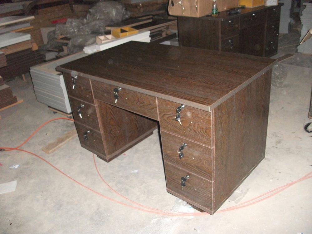 东莞家具爆款木纹电脑桌报价
