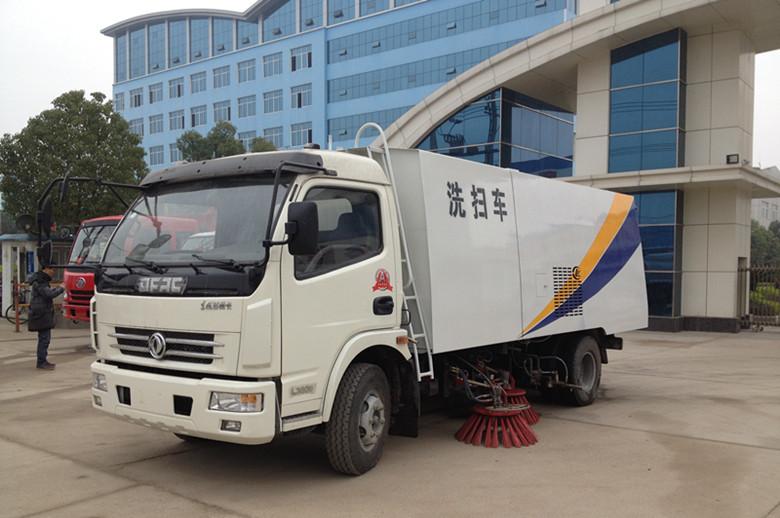 厂家直销国四多利卡扫路车,中型国四东风扫地车