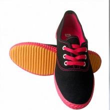 供应河南质量好的休闲帆布鞋生产厂家