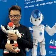 深圳市优必选机器人阿尔法一代二代图片