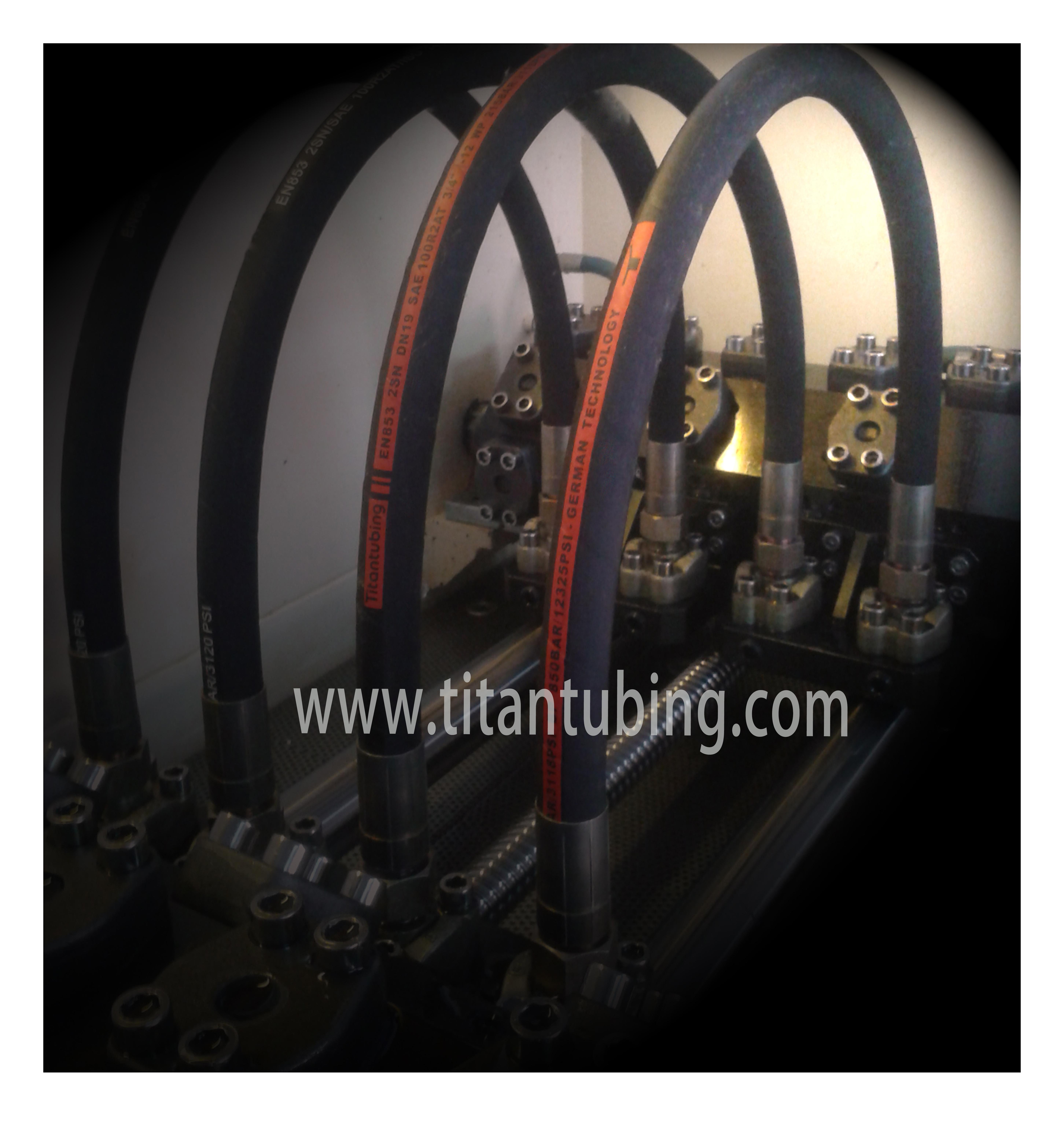 高压液压胶管 硫化橡胶管 合成橡胶管 EN857钢丝管 EN857钢丝橡胶管