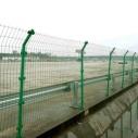 公路护栏网 公路围栏网 高速护栏图片