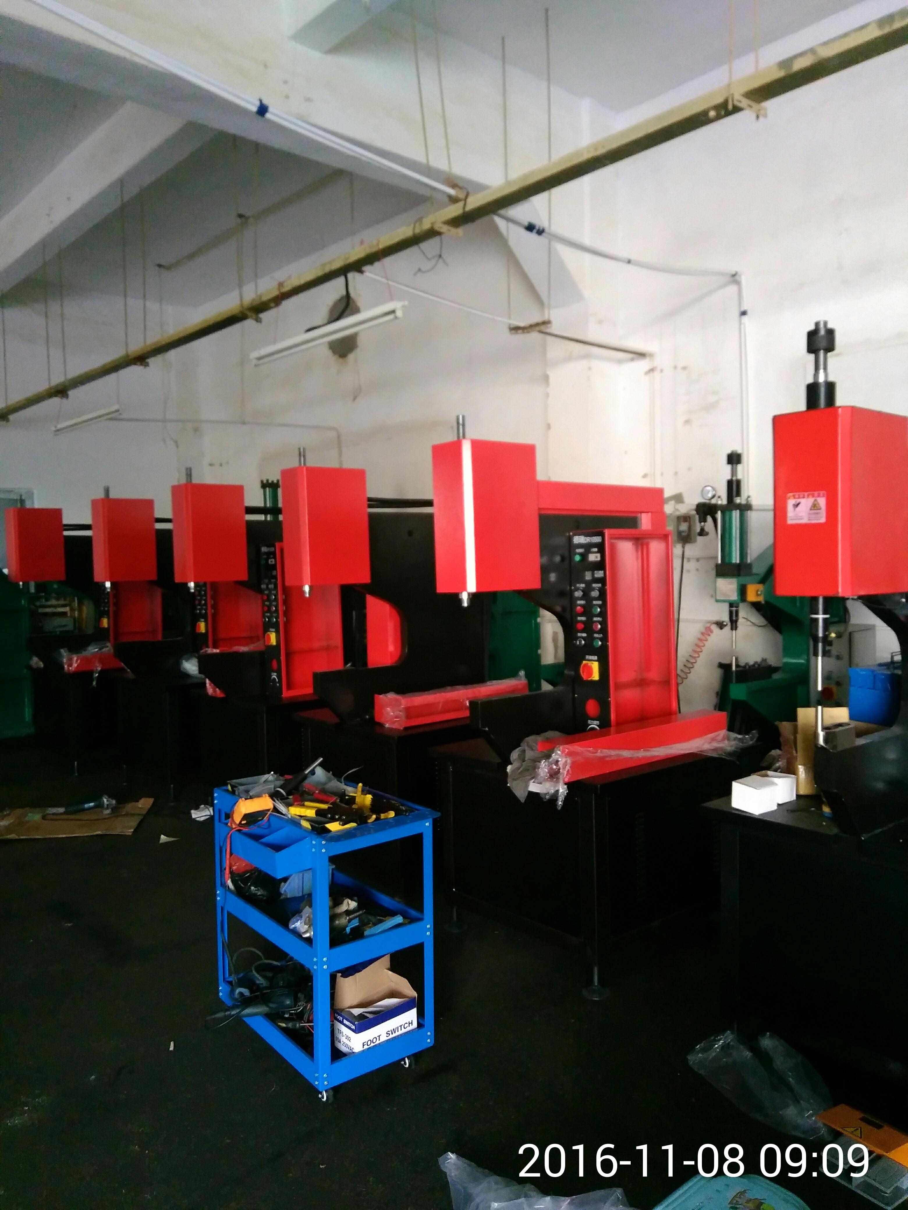 高端液压压铆机DR10—500 高端液压压铆机DR10—500F
