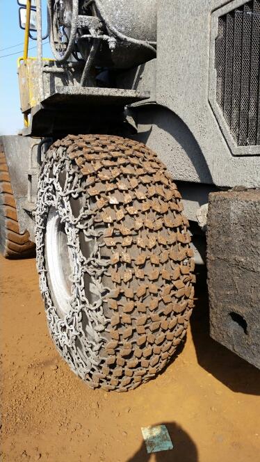 30型雪地机防滑链17.5-25铲车轮胎保护链