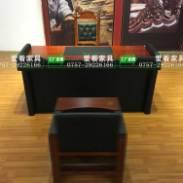 审讯桌子图片