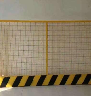 公路防撞栏图片/公路防撞栏样板图 (1)