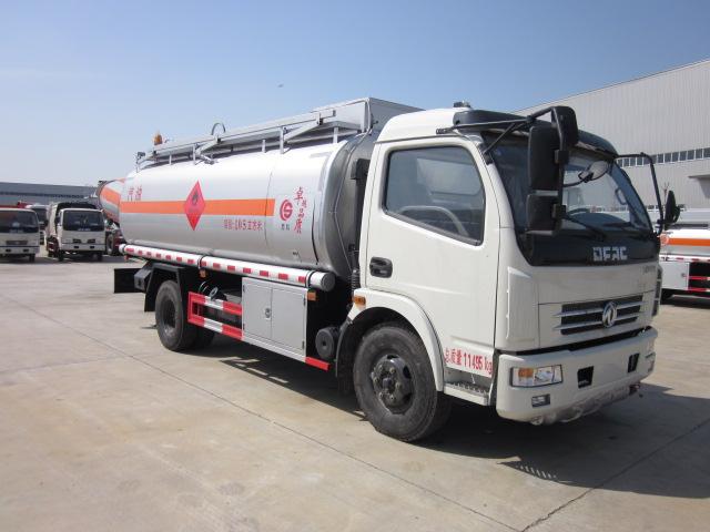 全新东风10吨油罐车运油车