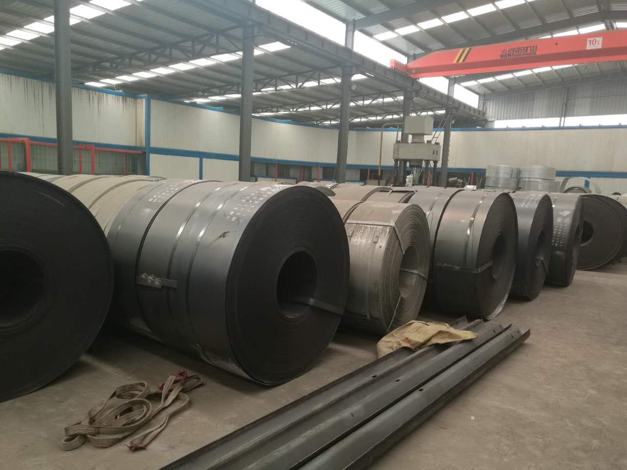 护栏板供应商 专业生产优质护栏板二波板三波板热镀锌/喷塑可定做