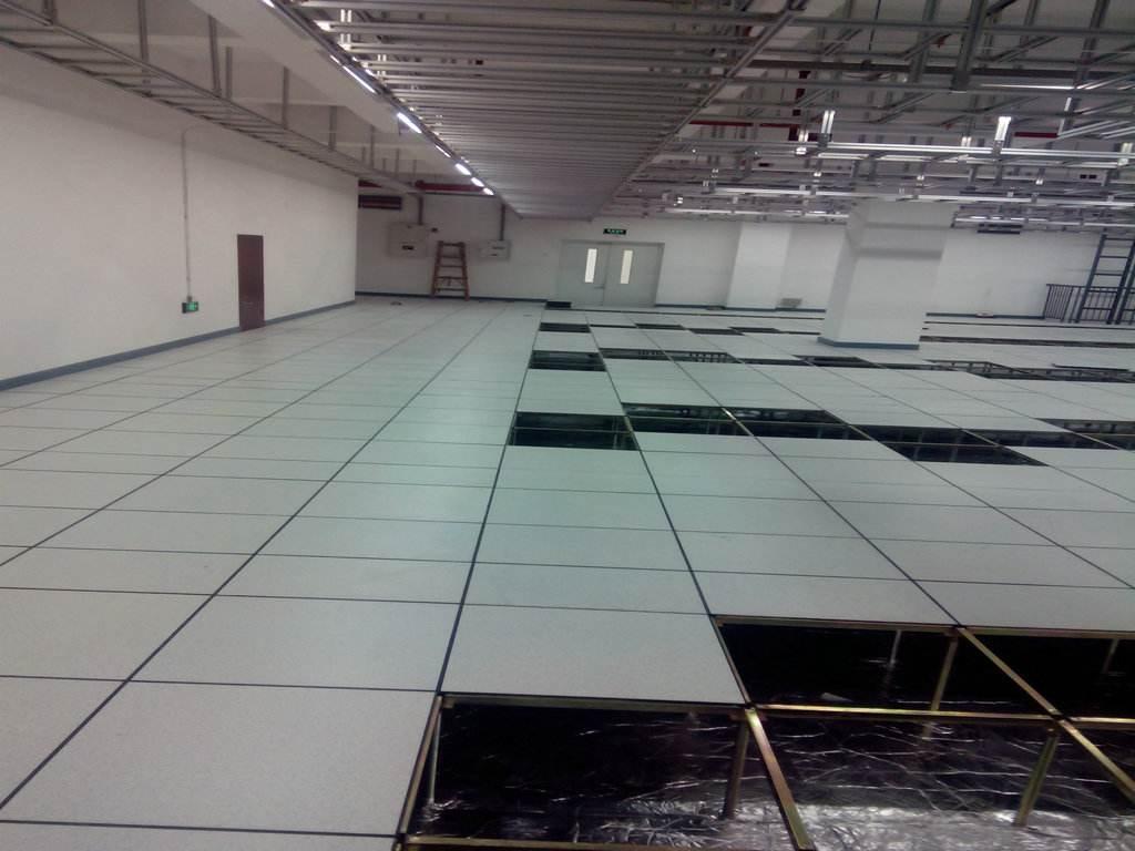 静电地板安装