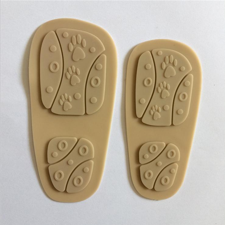 广州厂家定做PVC滴塑儿童防滑鞋底 软胶透明鞋底 牛筋手工布鞋底