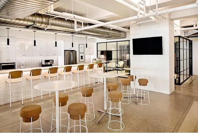 新型水磨石 耐克传播办公室地面应用欣赏