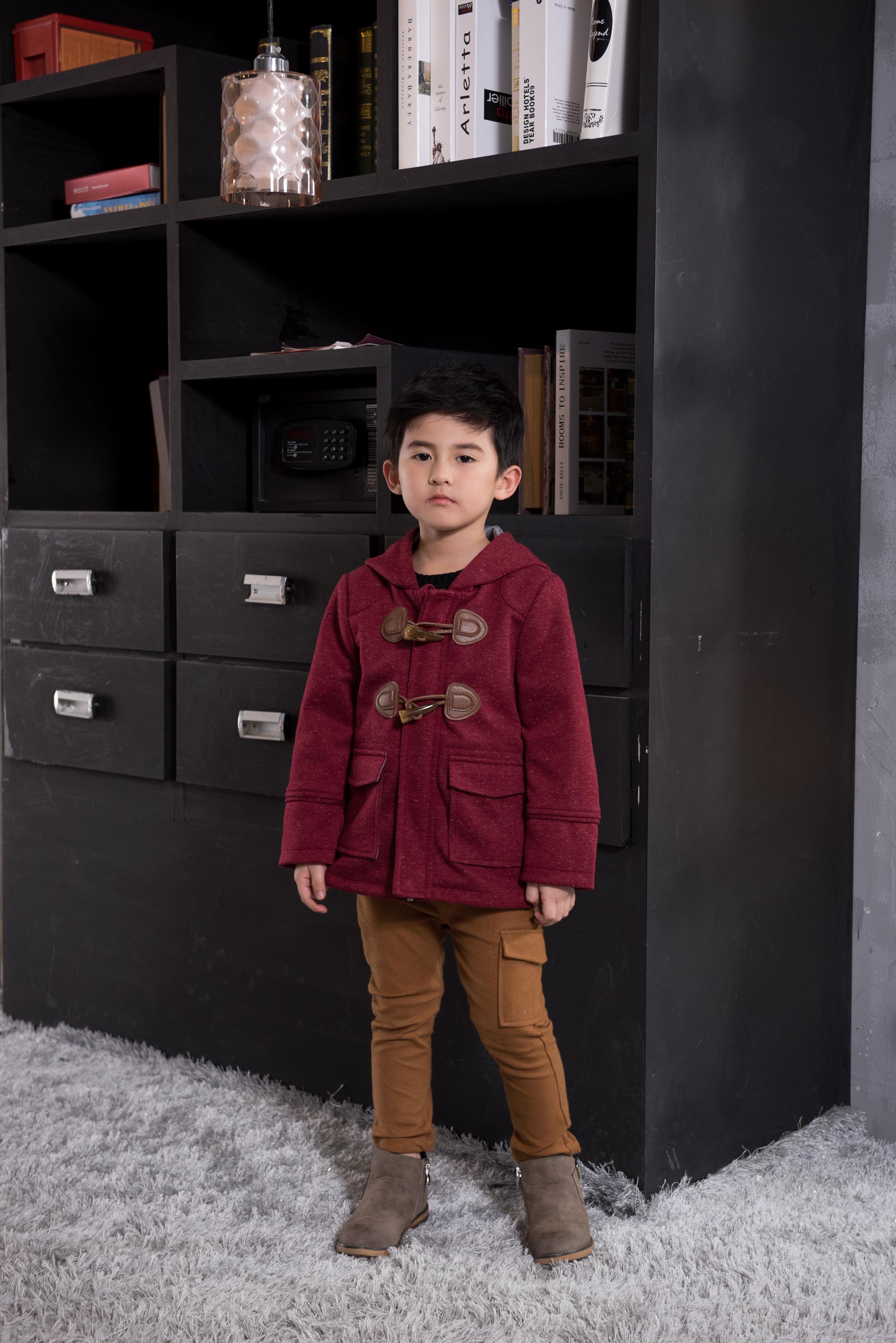 广州呢大衣外套定制厂家 广州深红色童装呢大衣外套批发 广州呢大衣外套厂家直销 呢大衣外套--童装深红色