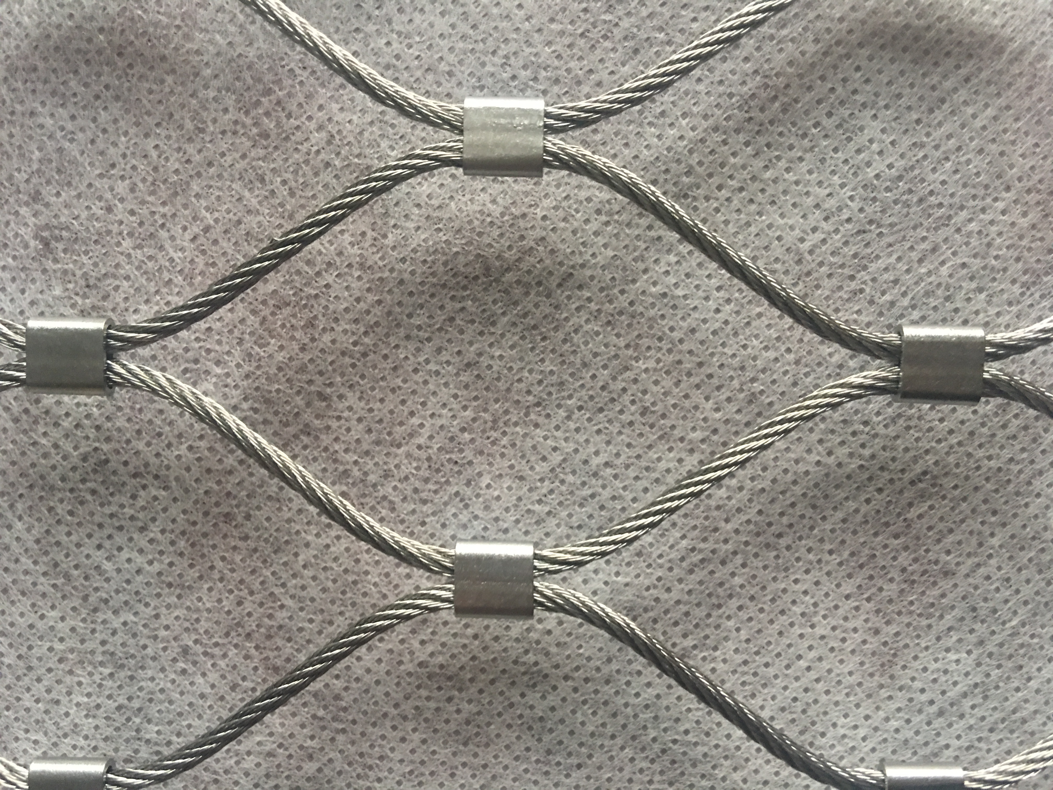 供应柔性不锈钢卡扣钢丝绳网