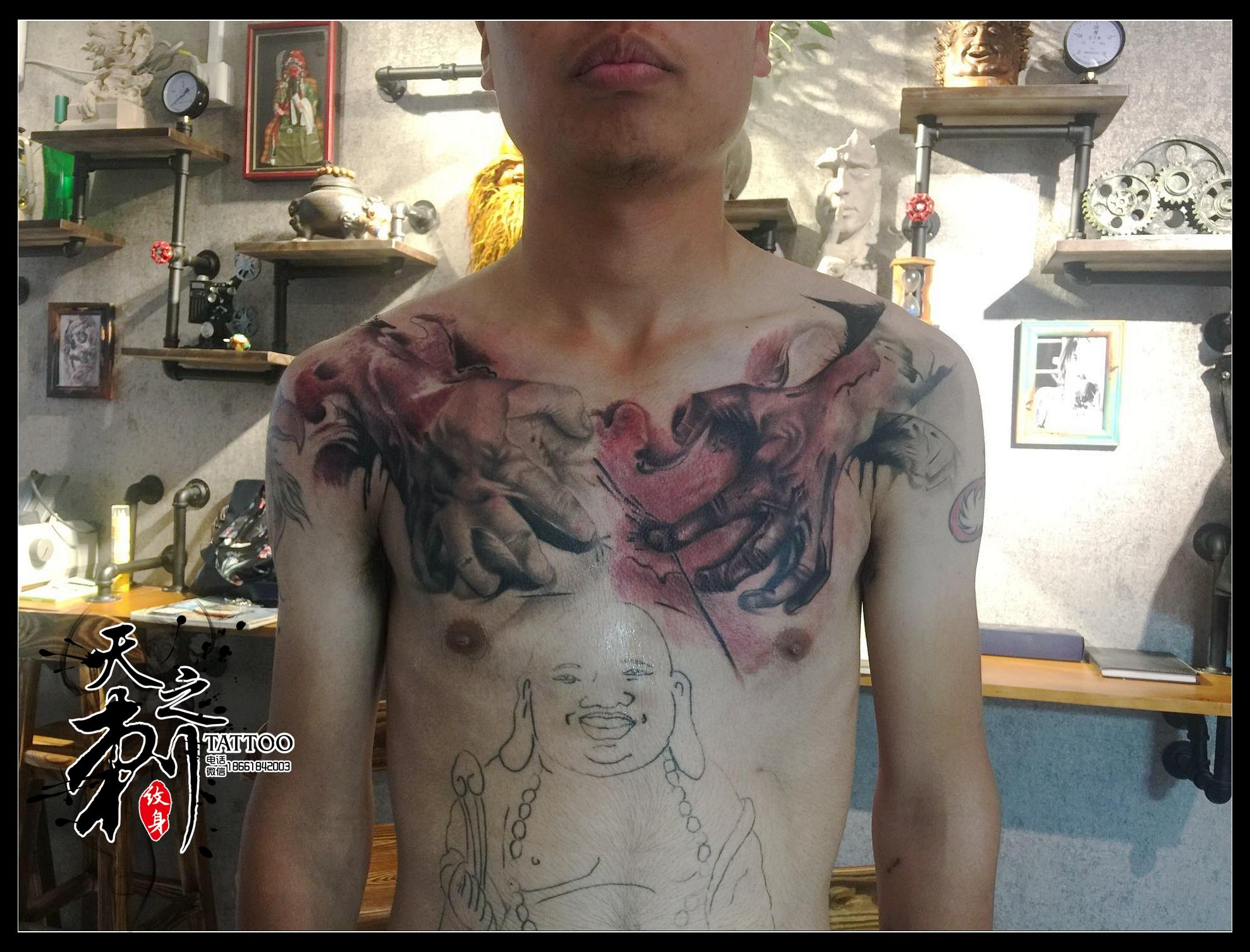 花胸纹身图案  浪花纹身图案