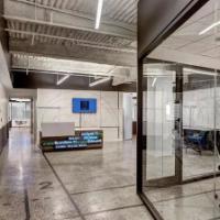 水泥基磨石地坪办公室应用案例分享营造家一样的自由办公环境