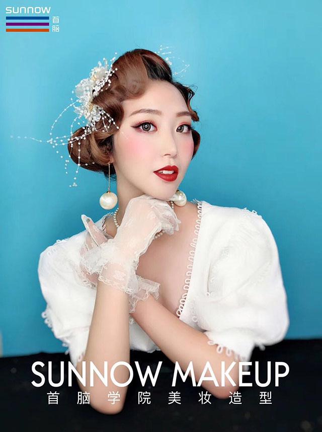 体系完整化妆培训哪有?