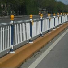 忻州市政道路隔离栏,仿竹道路护栏,京式交通防护栏,锌合金交通围栏好听的排箫批发