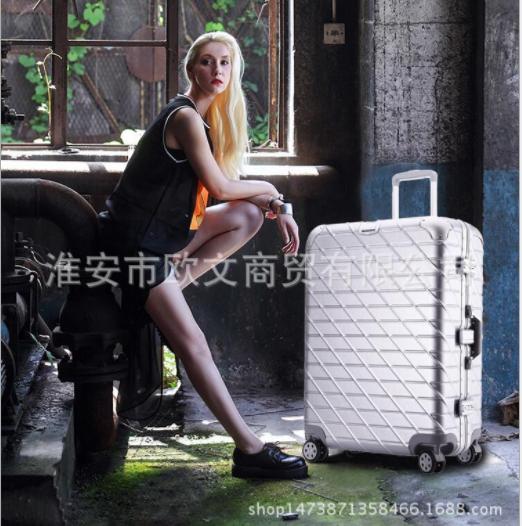 供应斜纹拉丝拉杆箱 直销斜纹拉丝拉杆箱 斜纹拉丝拉杆箱厂家 万向轮女韩潮旅行箱