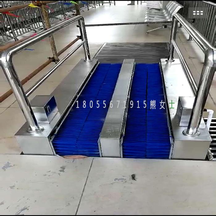 华诚HCCX-100矿用洗靴机 无动力喷淋式擦靴机 环保节能洗靴机厂家直销