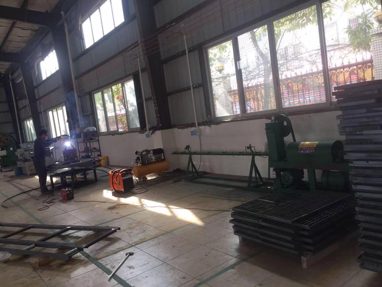 镀锌钢格栅盖板 钢格板图片/镀锌钢格栅盖板 钢格板样板图 (1)