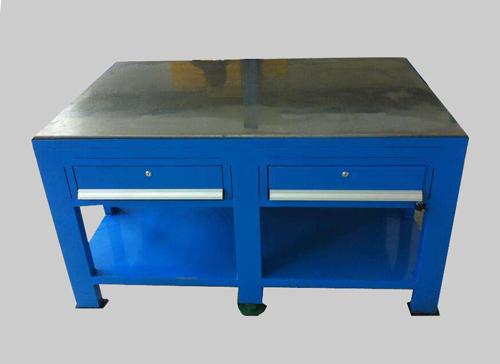 专业供应深圳市精石钢结构Q235生铁重型钢桌 Q235  重型工作台钳工台