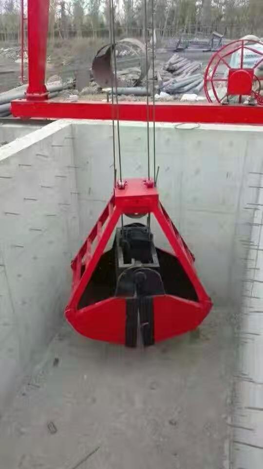 山东常年生产 起重机抓斗耐磨损使用寿命长厂家直销多种型号单双梁抓斗